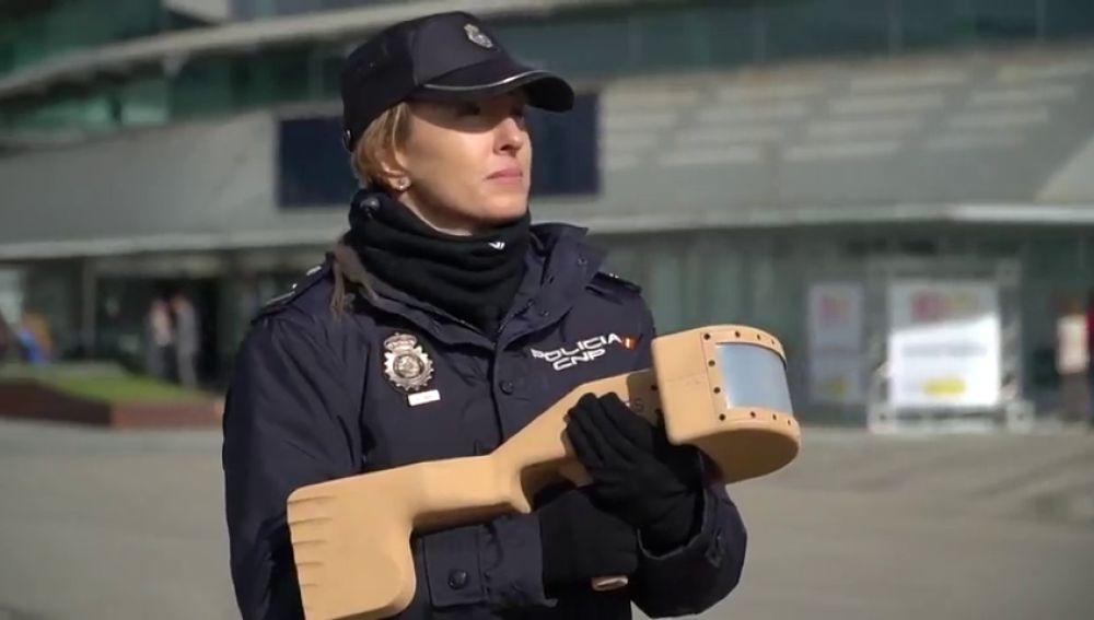 La Policía utiliza un 'rifle antidron' por primera vez en el Centro de Datos de las elecciones generales