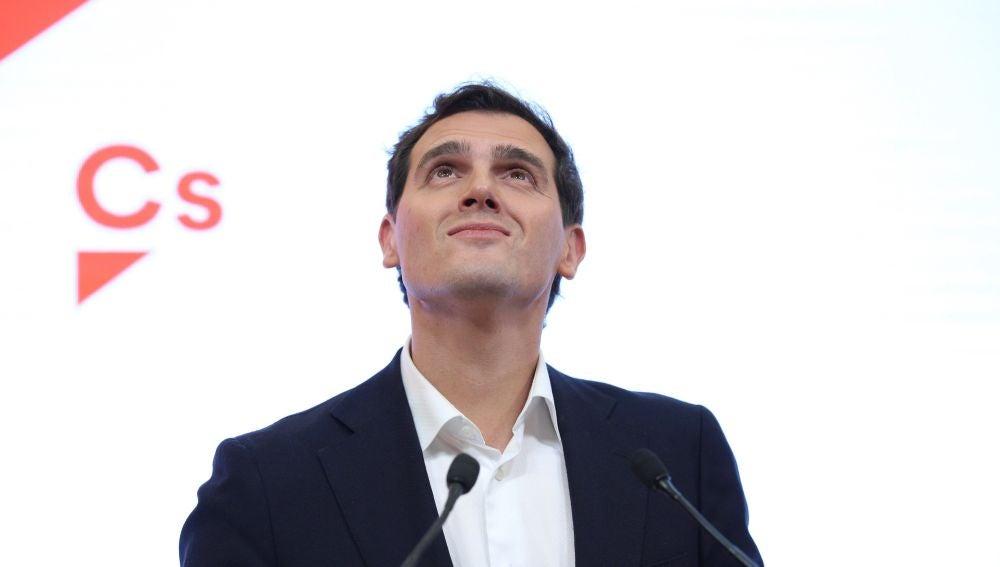 Albert Rivera anuncia que deja la política