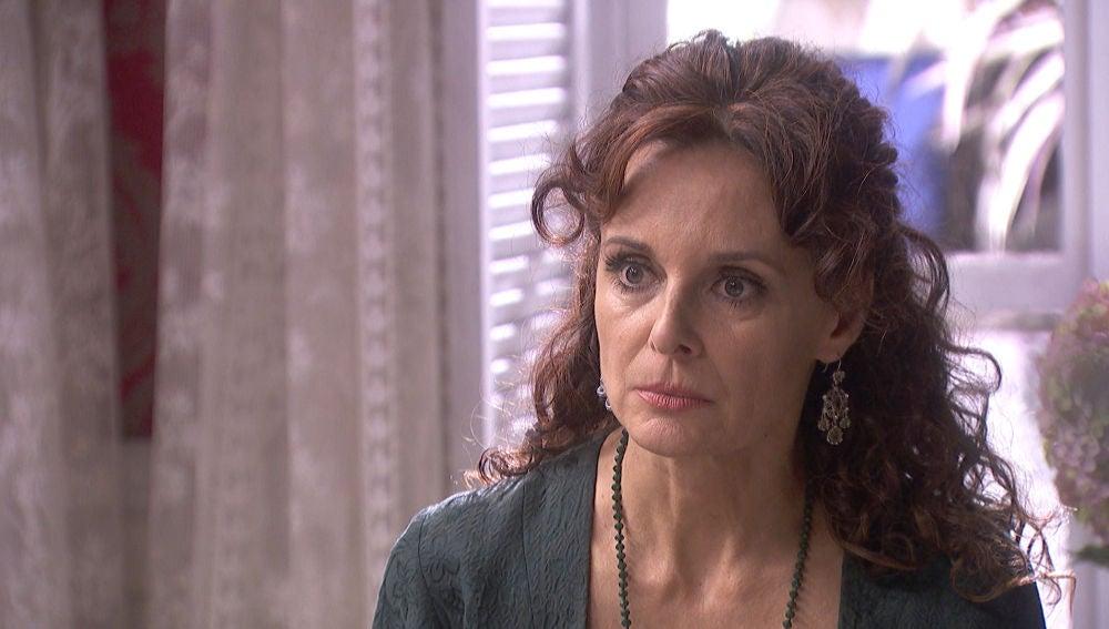 """'El secreto de Puente Viejo': La Marquesa, estupefacta, """"he deshonrado a Rosa Solozábal"""""""