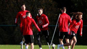 Bale entrenando con la selección de Gales