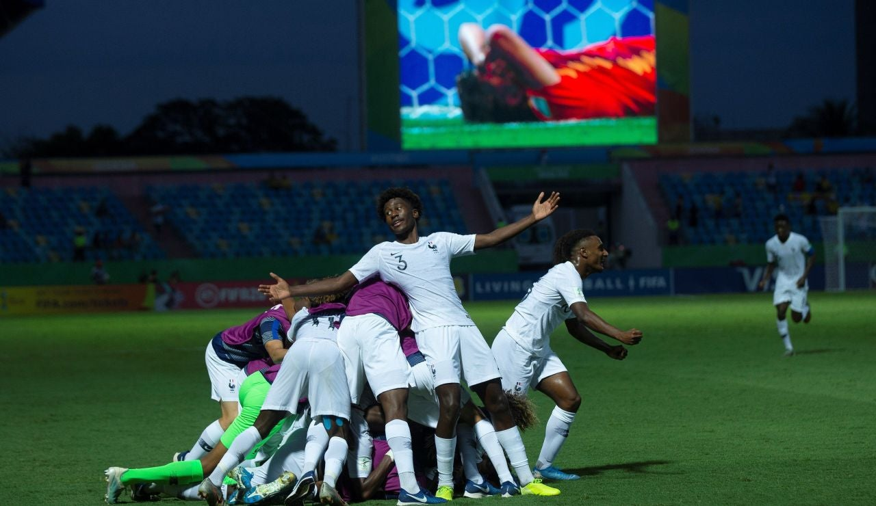 España cae goleada ante Francia