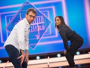 "Anitta enseña a Pablo Motos a bailar el ""quadradinho"", su original paso de twerking"