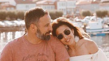 Santiago Abascal y su mujer Lidia Bedman