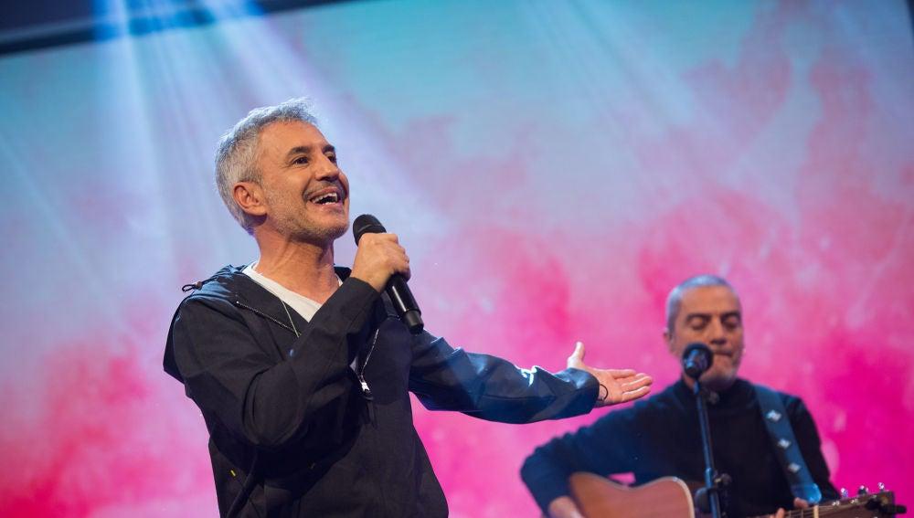 Sergio Dalma enamora cantando su nuevo tema 'Donna' en 'El Hormiguero 3.0'