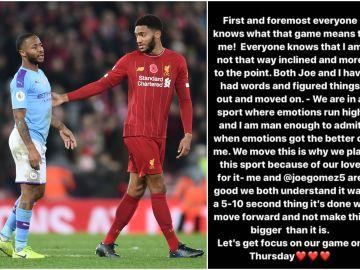 Sterling y Joe Gómez durante el encuentro entre Manchester City y Liverpool