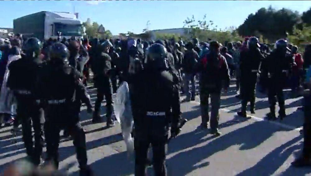 Detenido un camionero por intentar atropellar a manifestantes que bloqueaban la carretera de la Jonquera