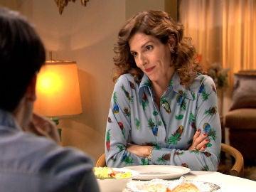 Julia les confiesa a sus hijos su relación con Guillermo