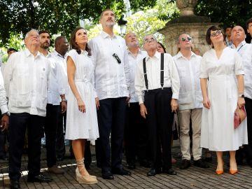 Los Reyes visitan Cuba