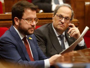 Pere Aragonés y Quim Torra en el Parlament catalán