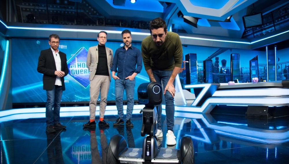El robot Loomo y 'Condon Man', la ciencia de Marron con Ernesto Sevilla y Joaquín Reyes en 'El Hormiguero 3.0'