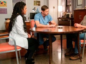 Sharpe transmite una importante decisión al doctor Goodwin este jueves en 'New Amsterdam'