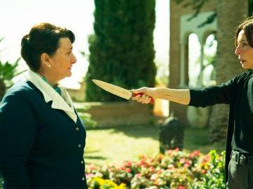 María Teresa Rojas intenta asesinar a Benigna