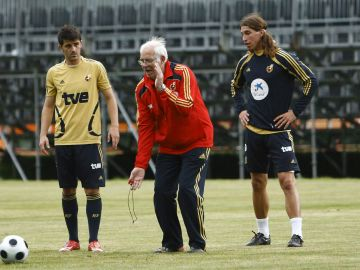 """Sergio Ramos repasa su trayectoria en la Selección Española: """"El que más me marcó en su día fue Luis Aragonés, necesitábamos un padre en el fútbol"""""""