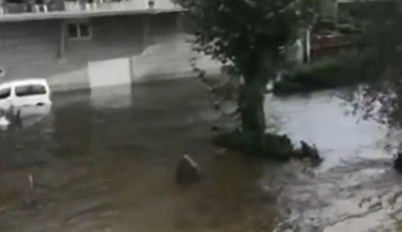 Crecida del río por el aumento de las precipitaciones en Galicia