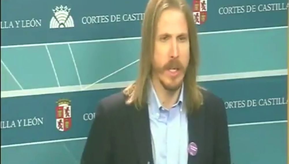 """Pablo Fernández, de Unidas Podemos: """"Es una mierda y una puta basura la proposición de Vox"""""""