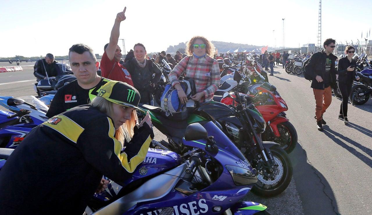 Aficionados durante el GP de Valencia en Cheste