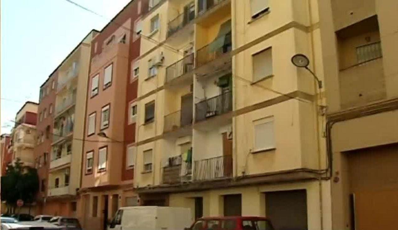 Fachada de la vivienda de los detenidos