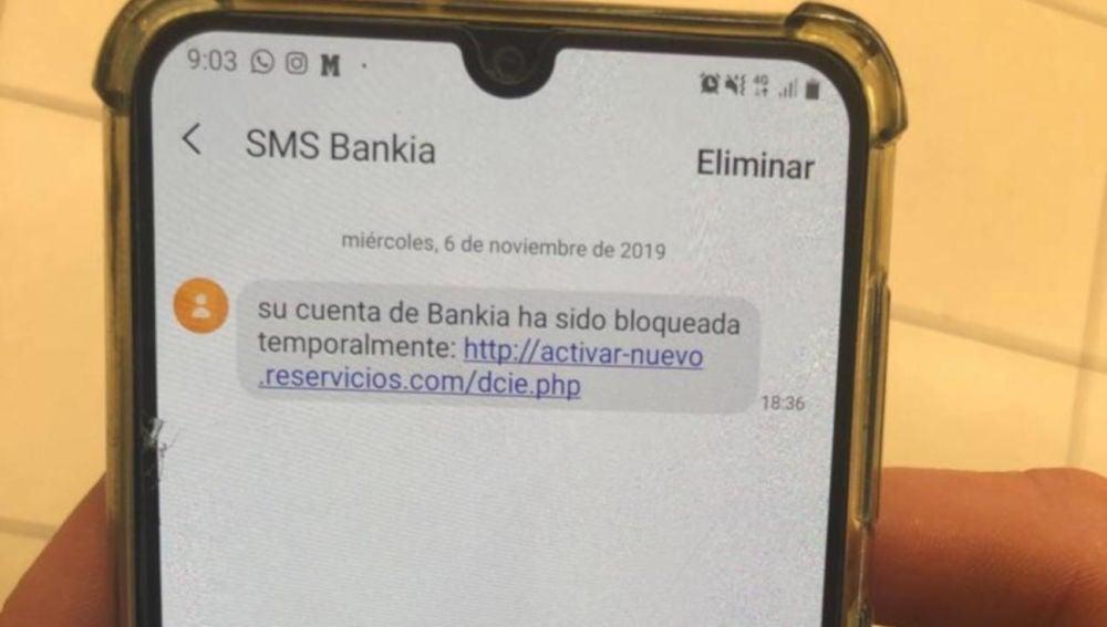 Un SMS de Bankia que informa del bloqueo de su cuenta, la nueva estafa en la que no debes picar