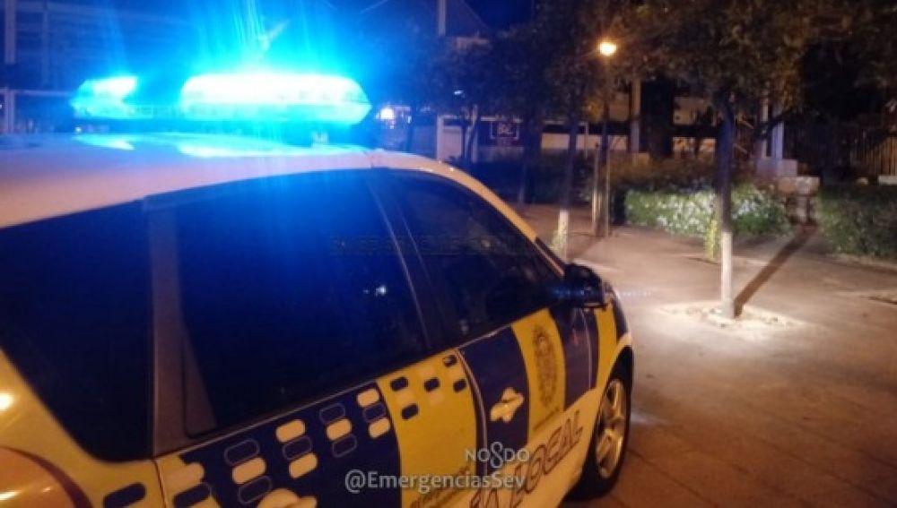 Imagen de archivo de un coche de la Policía local de Sevilla