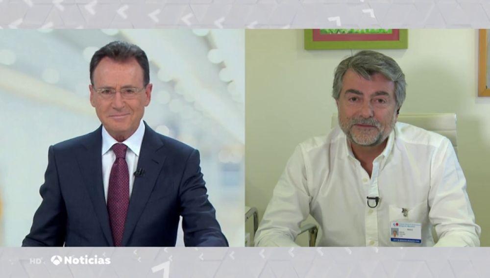 """Dr. Sánchez Luna, jefe de neonatología del hospital Gregorio Marañón: """"Los padres nos ayudan y se ayudan incorporándose al tratamiento del cuidado de su propio bebé"""""""