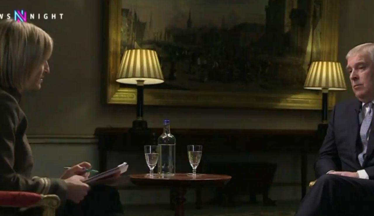 El príncipe Andrés no consigue acallar el escándalo