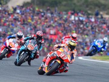 Márquez lidera la carrera