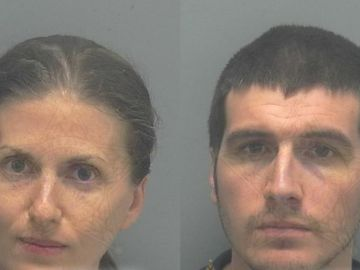 Sheila y Ryan O'Leary tras ser detenidos