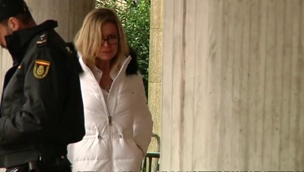 La madre de Diana Quer abandona el juicio al no soportar los detalles sobre el asesinato de su hija