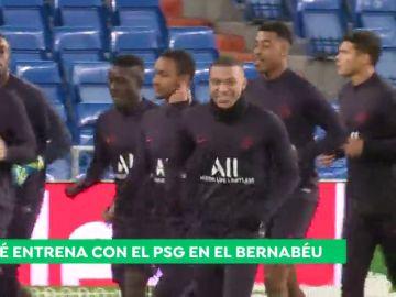 Mbappé, sonriente en el Bernabéu tras las palabras de Zidane