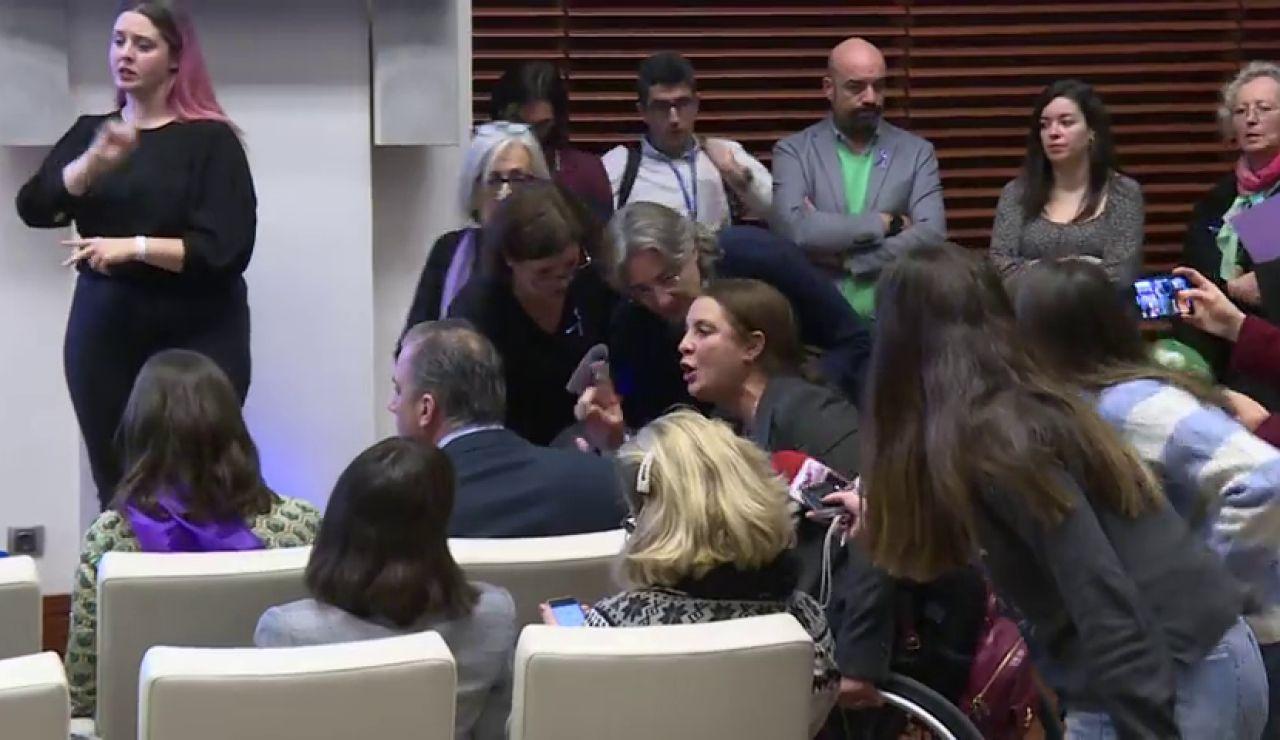 Varias mujeres se enfrentan a Ortega Smith (Vox) por negar la violencia de género