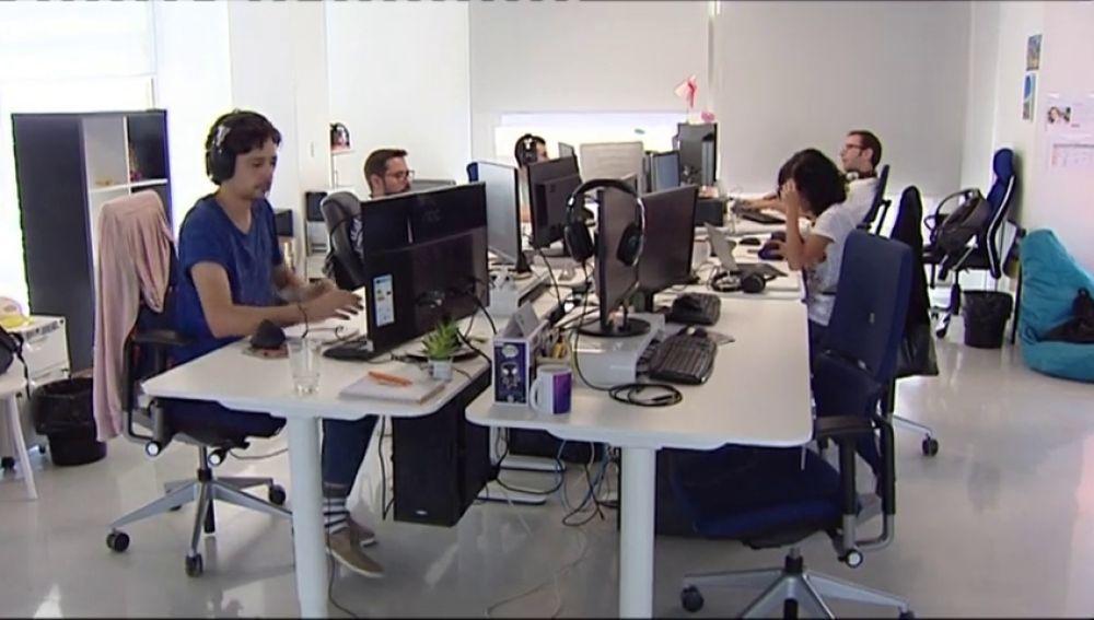 El 36% de los jóvenes españoles gana menos que el SMI