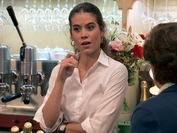 Jose descubre cómo hacer que Benigna se meta totalmente en el papel  de 'La madrina'