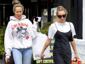 Miley Cyrus y su madre Tish Cyrus