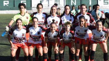 Las jugadoras del Defensores de Belgrano en su partido contra el Excursionistas
