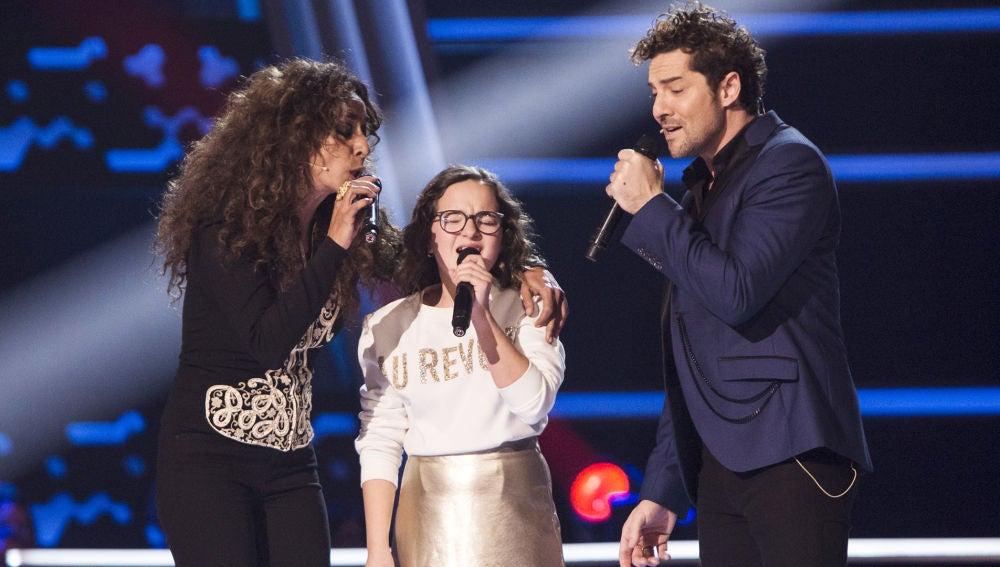 David Bisbal, Rosario Flores y Paloma Puelles cantan 'Lucía' en los Asaltos de 'La Voz Kids'