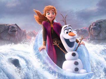 Anna y Olaf en 'Frozen 2'