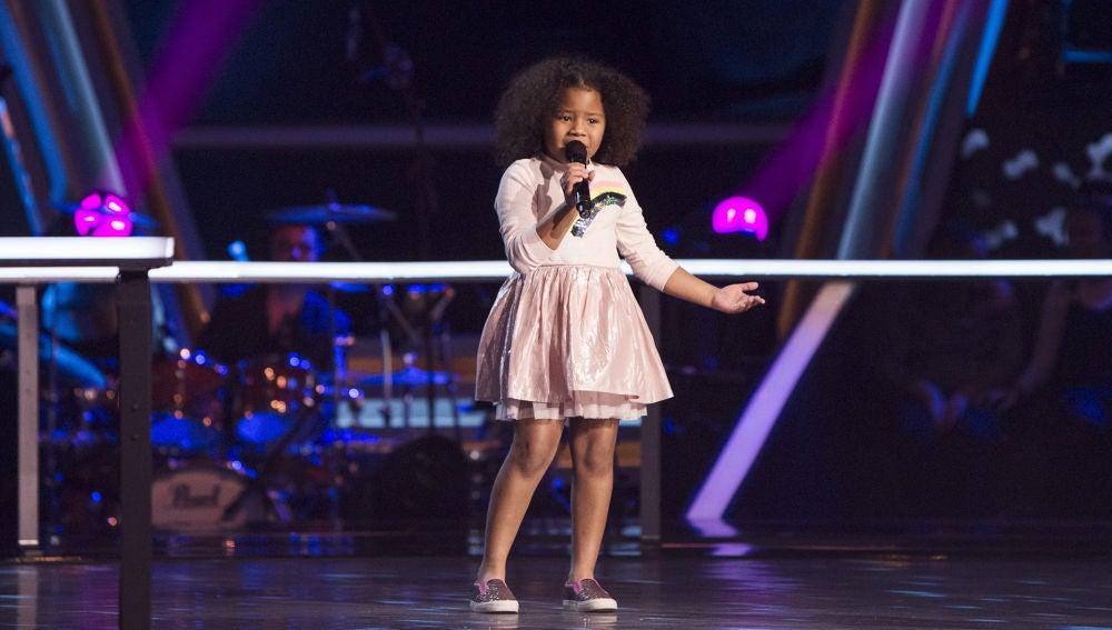 Yolaini Viñas canta 'La gata bajo la lluvia' en los Asaltos de 'La Voz Kids'