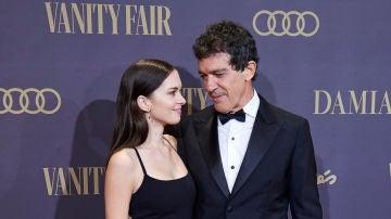 Stella del Carmen junto a su padre, Antonio Banderas