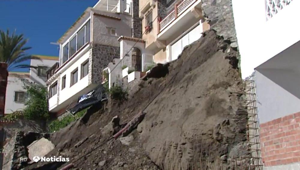 Dos casas al borde del precipicio en Granada