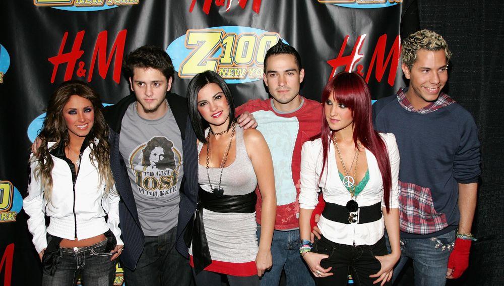 Maite Perroni, Poncho Herrera, Dulce María, Christian Chávez, Anahí Puente y Christopher Uckermann en RBD