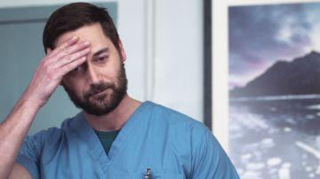 Una drástica medida hace que Max reflexione sobre su prioridad: su cáncer o el New Amsterdam