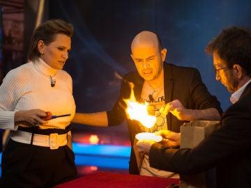 """Ainhoa Arteta bromea ante el mágico regalo de boda de Jandro en 'El Hormiguero 3.0': """"Pasarías a ser mi quinto marido"""""""