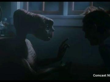 ET y Elliot se reencuentran en un anuncio de Navidad que está dando la vuelta al mundo