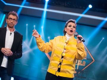 Ainhoa Arteta emula a Freddie Mercury en 'El Hormiguero 3.0'