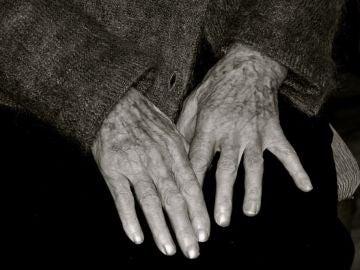 Cryl Agget, el viudo de 86 años que come en un instituto para combatir la soledad