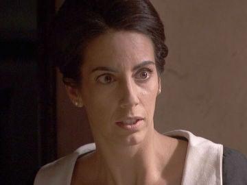 Manuela descubre el escondite y el secreto de Carolina y Pablo