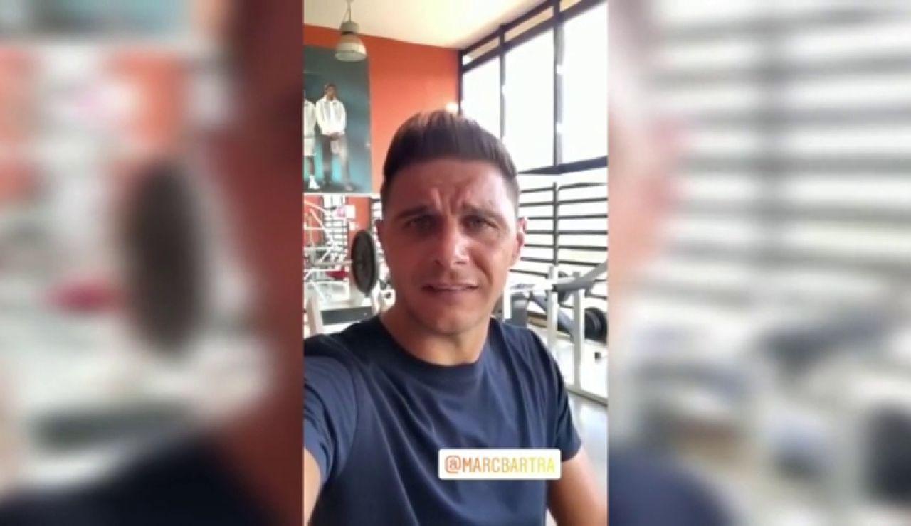 """Joaquín Sánchez reta a Marc Bartra a un partido de tenis: """"Ve poniendo fecha que te voy a dar la del tigre"""""""
