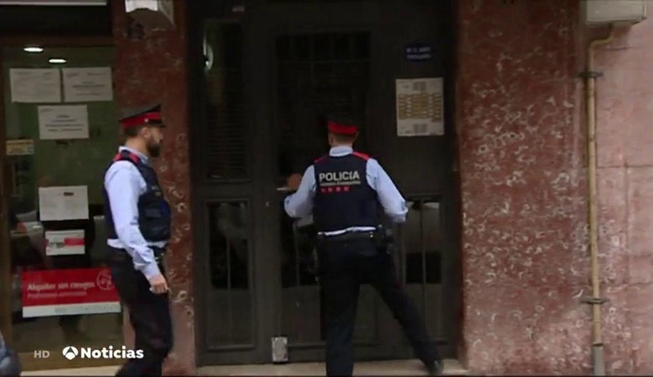 Un hombre mata a su mujer en El Prat de Llobregat y después se entrega a los Mossos