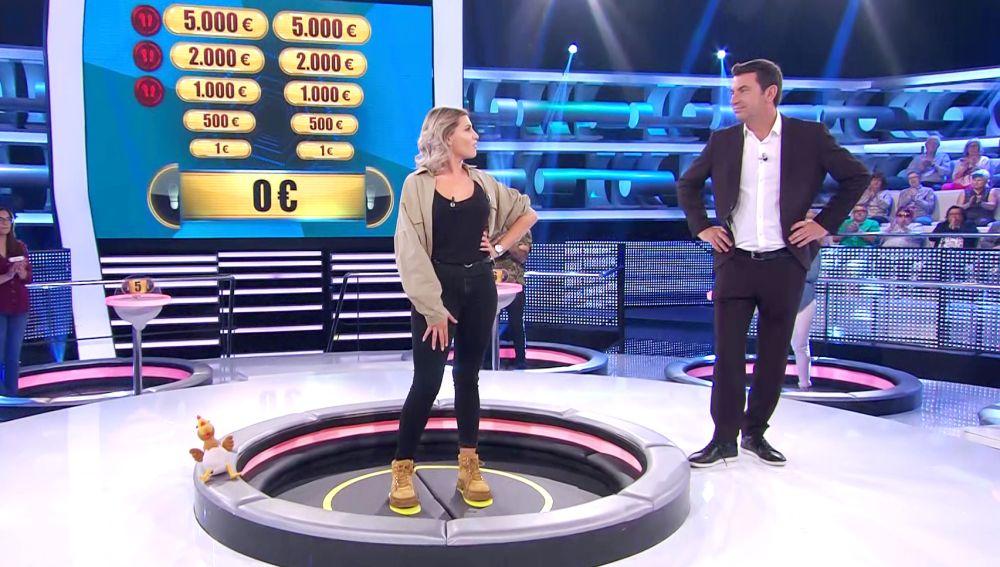 Escabechina en primera ronda: pierde los tres comodines y cae por la trampilla en '¡Ahora caigo!'