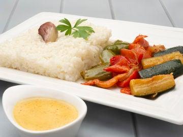 Arroz blanco con verduras al curry